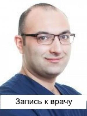 Стоматолог Ашуров Роман Сиинович